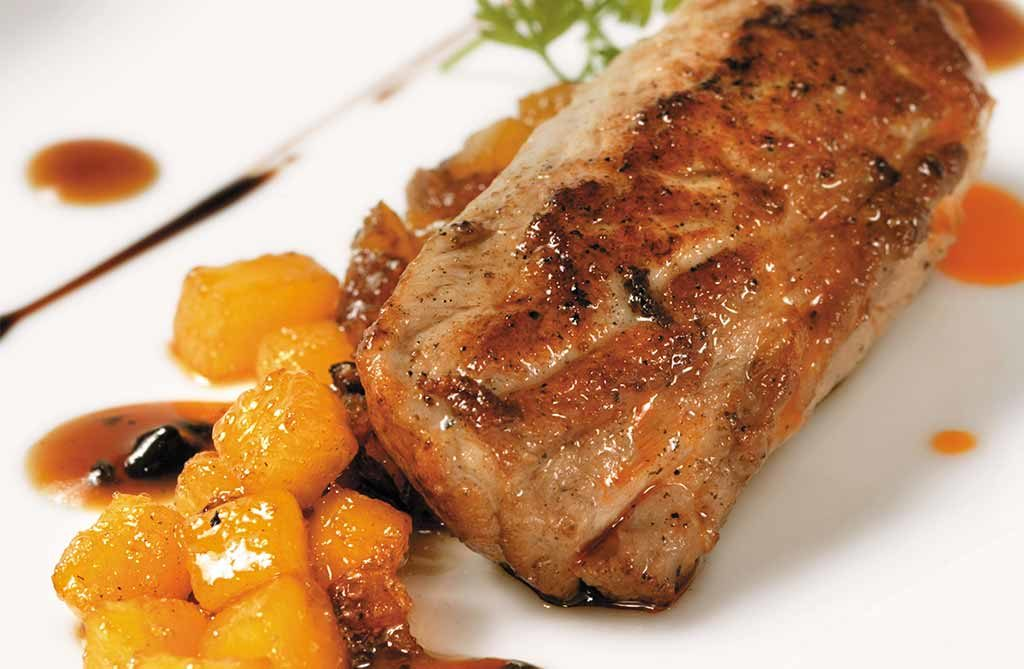 Lamb steak with peach and wine 2